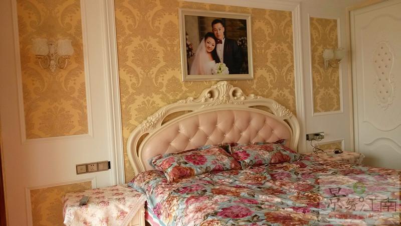 【永新南苑】12#於先生雅居欧式风格实景照之二楼主卧床头背景图片